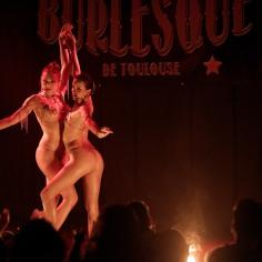 Velena Rossa Burlesque Paris